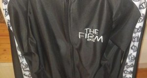 Ζακέτα The firm