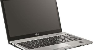 FUJITSU Laptop S935, i5-5200U, 8GB, 500GB HDD, 13.3