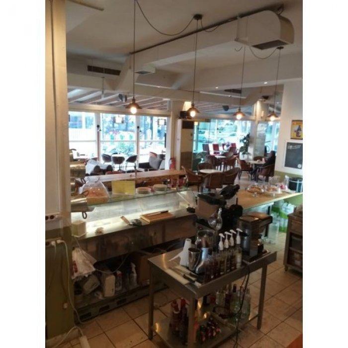 Πωλείται επιχείρηση καφέ-σνακ μπαρ 180 τ.μ πλήρως εξοπλισμένη