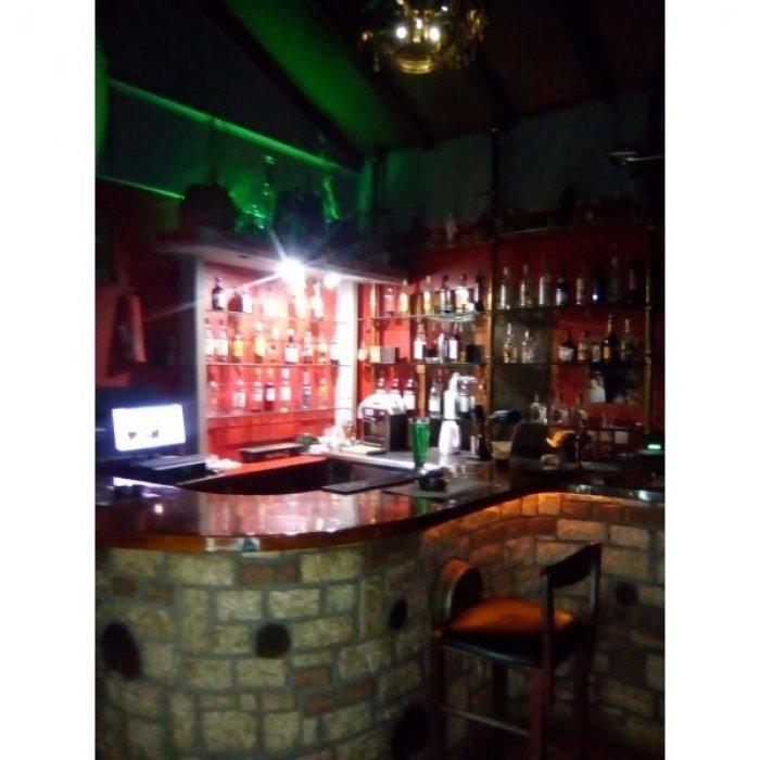 Κοπελα για μπαρ